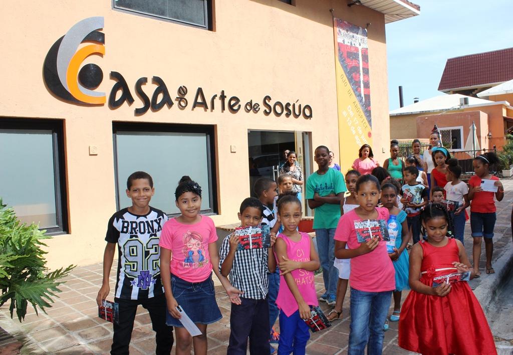 Visiting Casa de Arte Sosua.